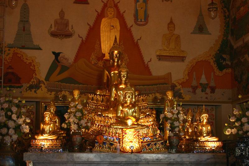 Wat Sam Phraya
