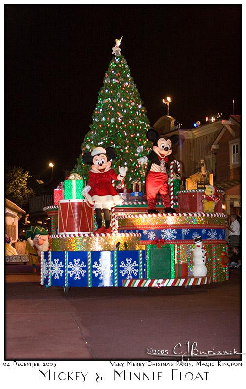 Mickey and Minnie Float - 8454 04Dec05