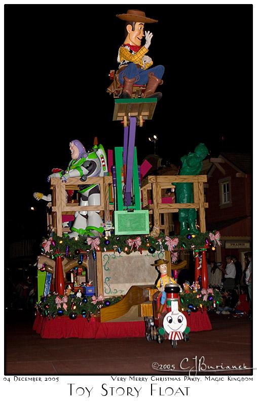 04Dec05 Toy Story Float - 8492