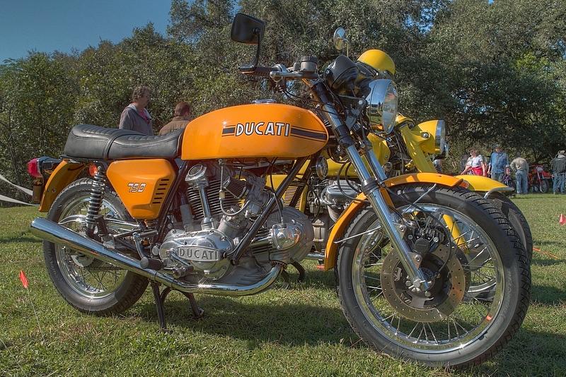 SDIM6570_1_2 - Ducati 750GT