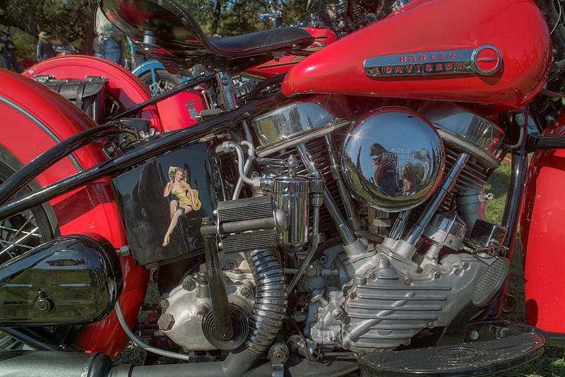 SDIM6585_6_7 - Panhead engine detail