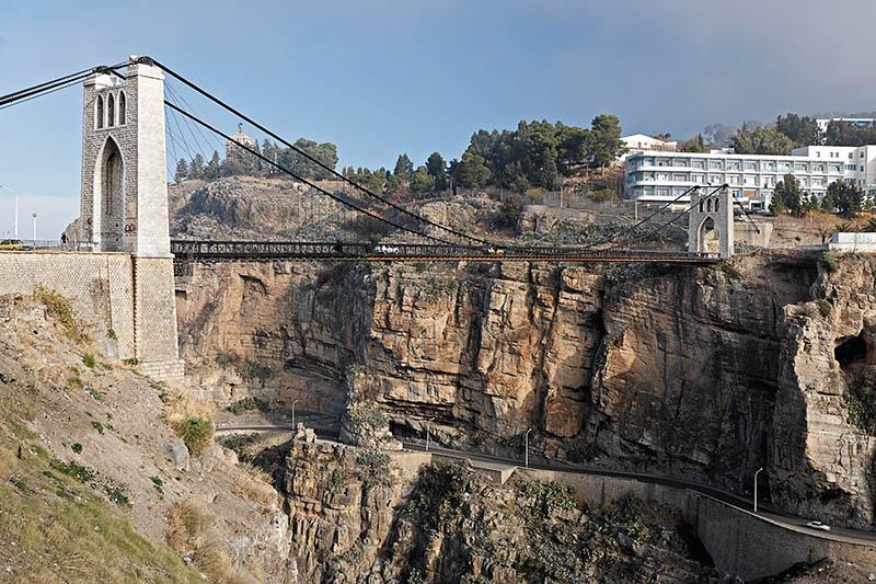 Le pont suspendu  de Sidi MCid