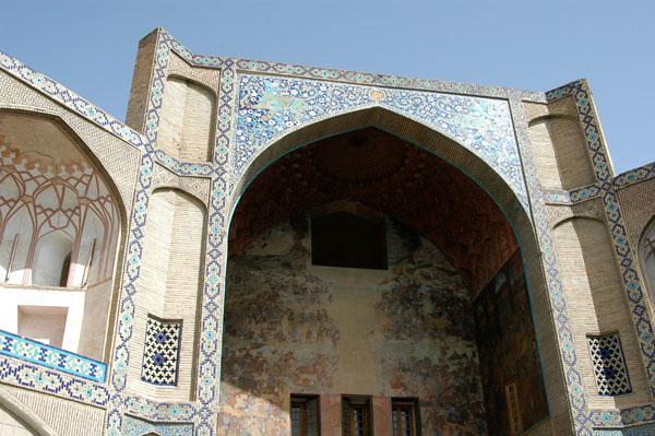 Qeysarieh Portal to the Bazar-e Bozorg at the north end of Imam