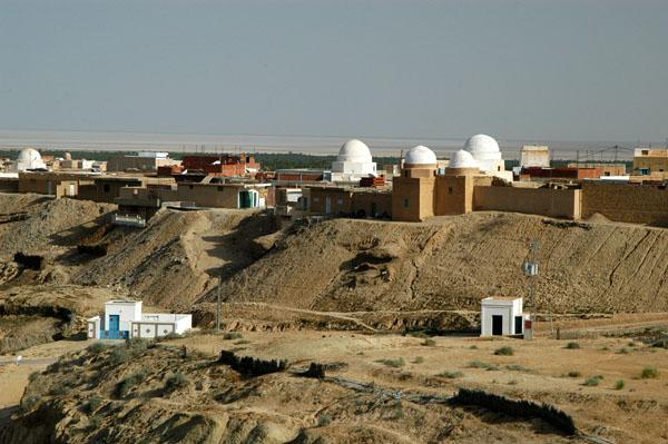 Mosque of Sidi Ben Abbes on the rim of La Corbeille, Nefta