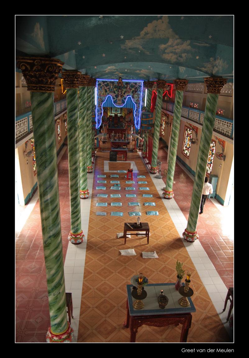7402 Vietnam, Cao Dai tempel