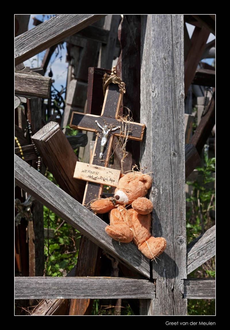 1332 Lithuania, Hill of Crosses, teddybear