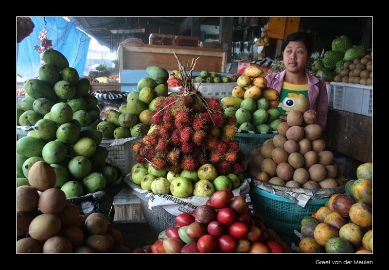 4823 Indonesia, fruitmarket on Bali