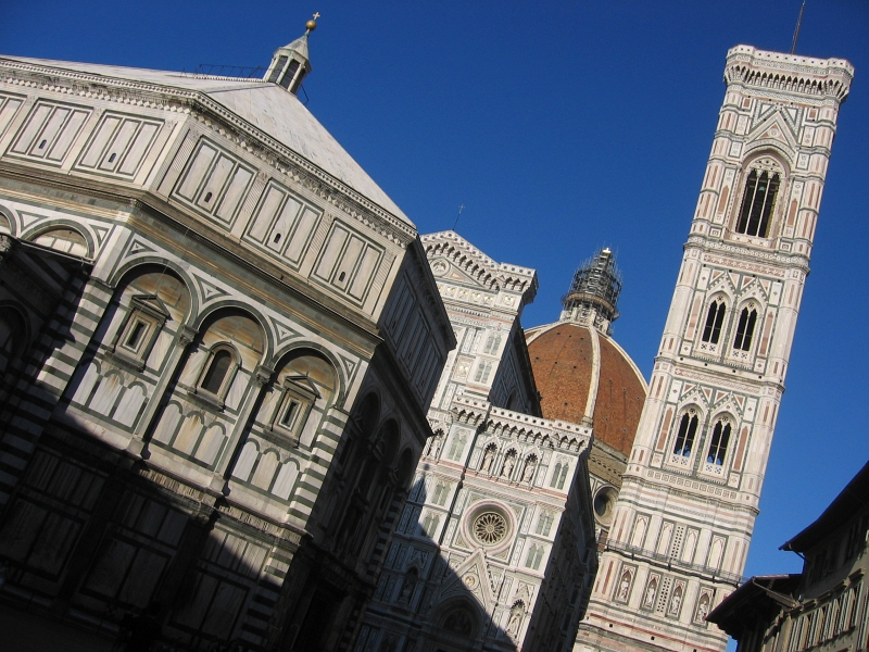 The Duomo, from a walk back <a href=http://www.pbase.com/andrys/florence3><u>home</u></a>