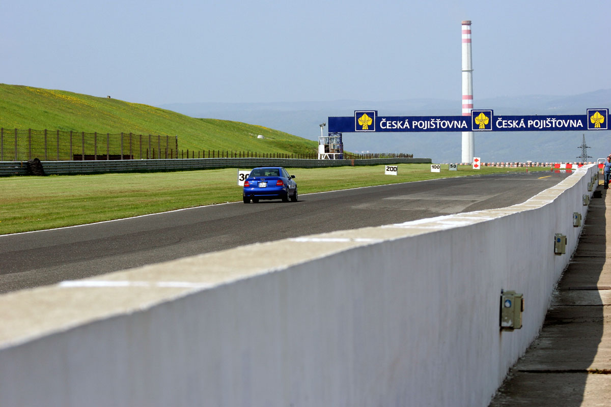 Nogaro Blue Audi S4 Most Autodrom 137.jpg