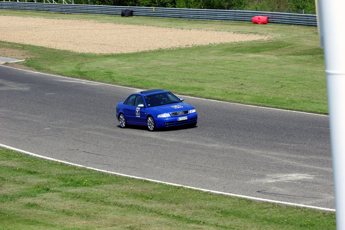 Nogaro Blue Audi S4 Most Autodrom 141.jpg