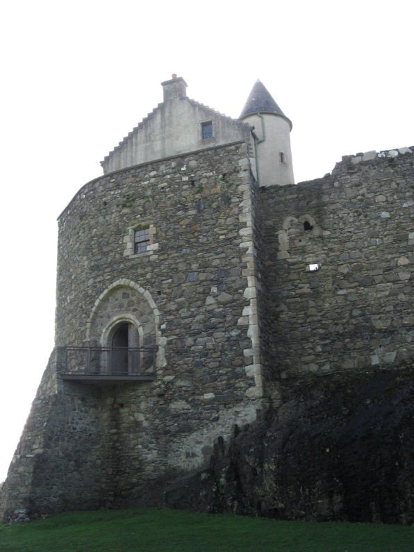 Dunstaffnage Castle entrance
