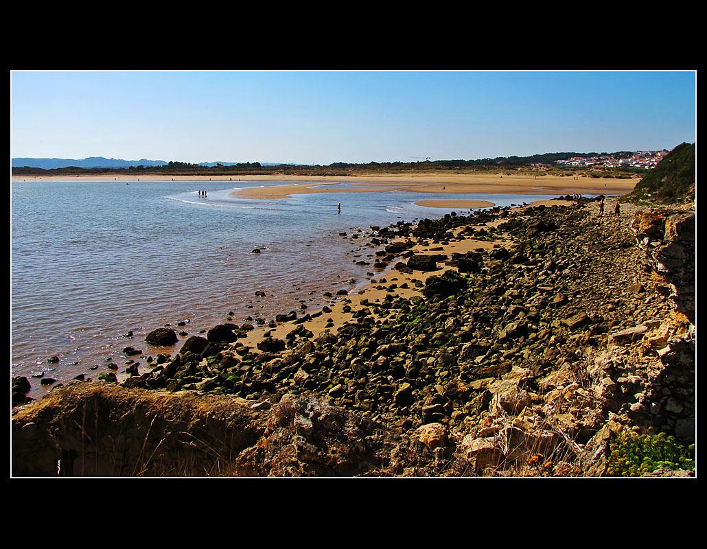 Walk to the sea water fountain ... 13