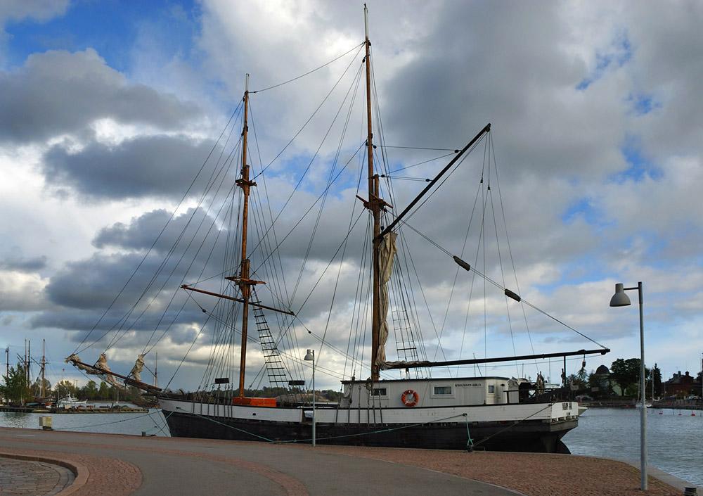 Sail ship Mary Ann