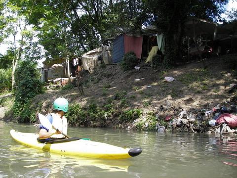 altro che Sudamerica, da noi le favelas sono in pieno centro