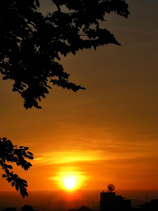 City sunrise / Amanecer citadino