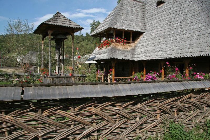 wooden architecture in Botiza