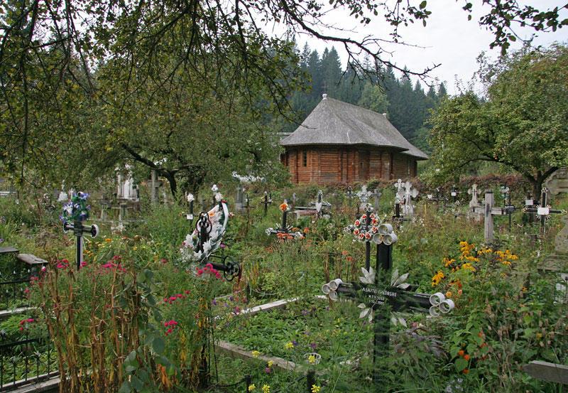 graveyard in Voronet