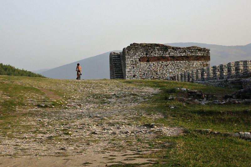 Berati - citadel cyclist