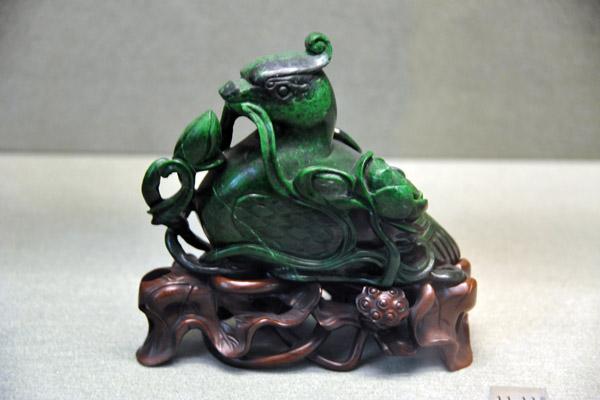 Green jade duck, China, 17-18th C.