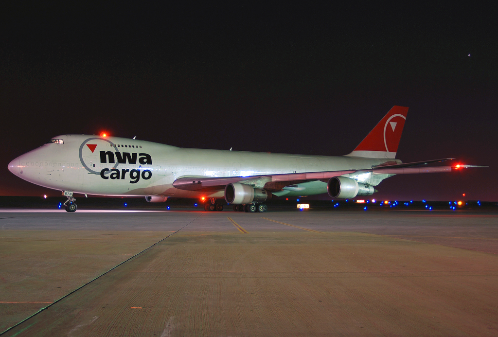 Northwest Airlines Cargo Boeing 747-251(SF) (N631NW)