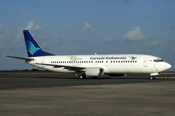 GARUDA INDONESIA BOEING 737 400 DPS RF IMG_7262.jpg