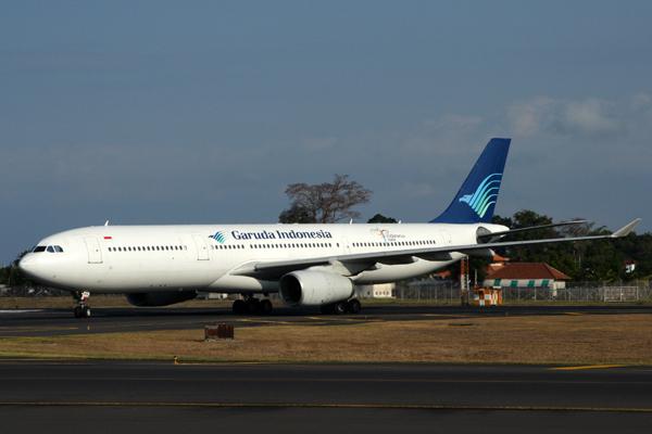 GARUDA INDONESIA AIRBUS A330 300 DPS RF IMG_1360.jpg