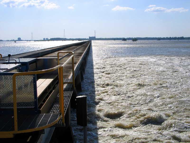 Mississippi River Rages On - April 30, 2008