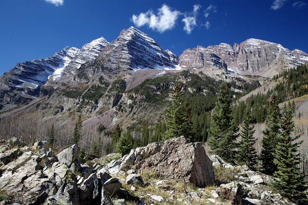 Hiking Toward The Maroon Bells