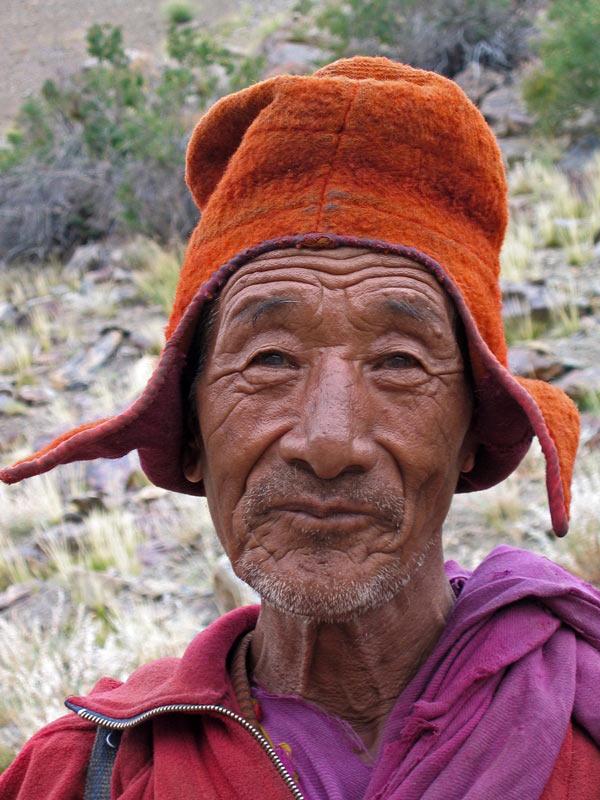 Monk, Tantak