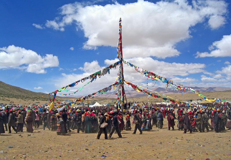 Climax of flagpole raising ceremony
