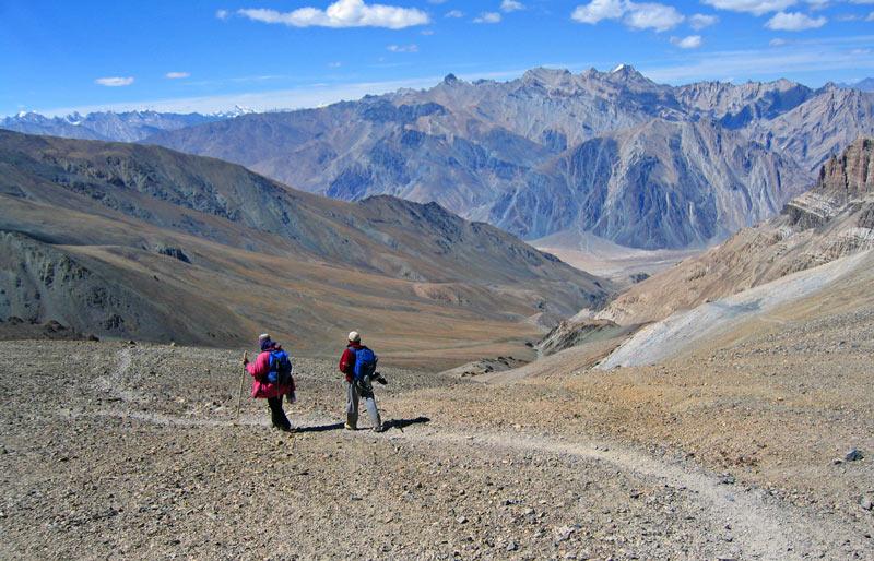 Descent from Thongde La