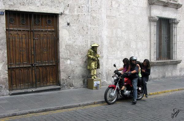 IMG_9681 Arequipa Living Statue