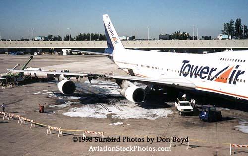 1998 - Tower Air Cargo B747-259BM N621FF wing fire