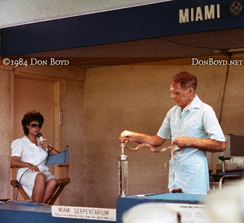 1984 - the legendary Bill Haast giving a snake venom extraction demonstration at the Miami Serpentarium