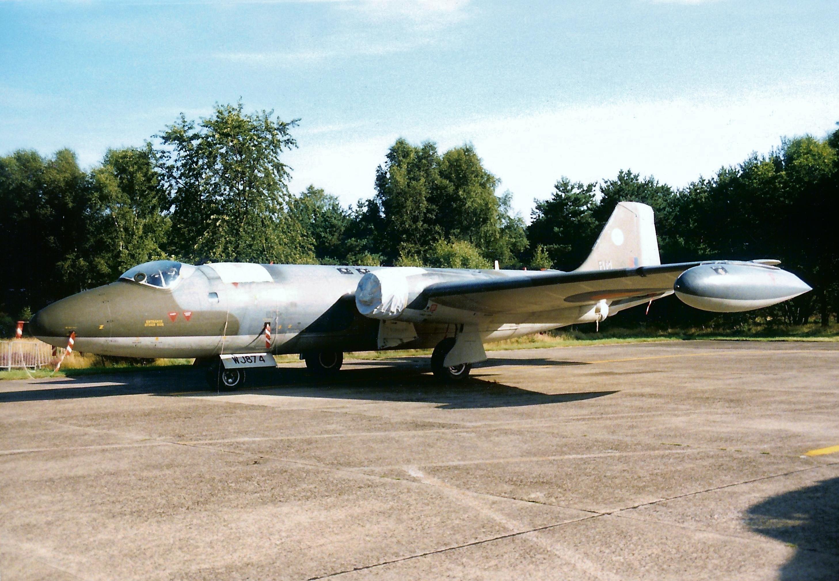 Canberra T.4 WJ874