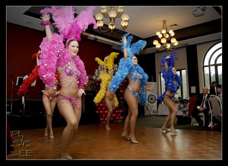 Moulin Rouge 04.jpg