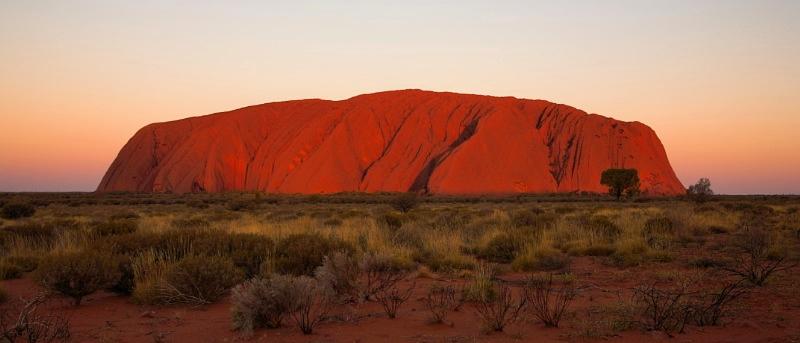Uluru sunset, last rays of sunlight