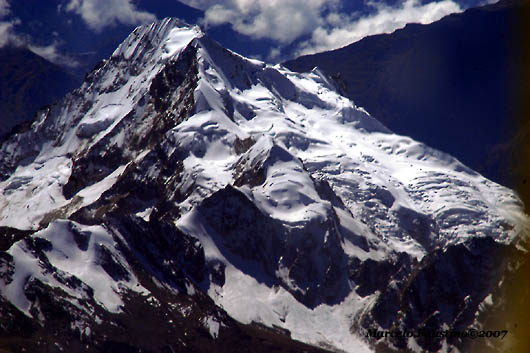 Neve dos picos dos Andes