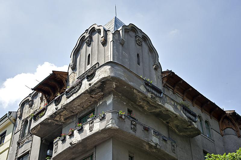 Marvelous building (2)