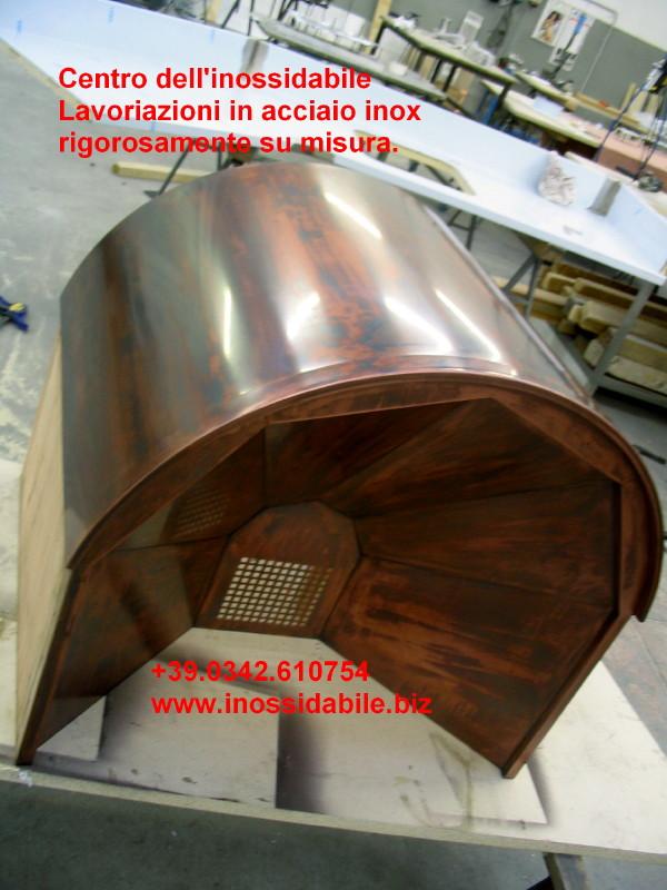 cappa in legno del falegname  rivestita in rame