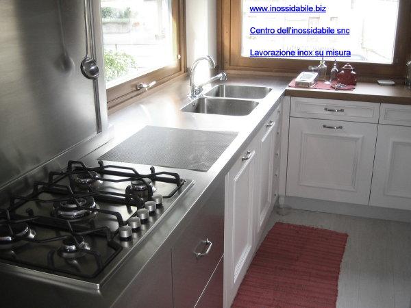 piano cucina in acciaio inox satinato con vasche e cottura - su ...