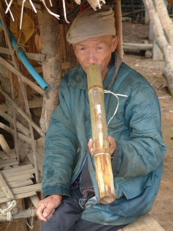 Traditional Smoking Apparatus