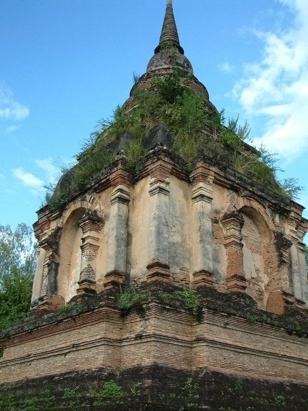 Wat Near Chiang Mai (2)