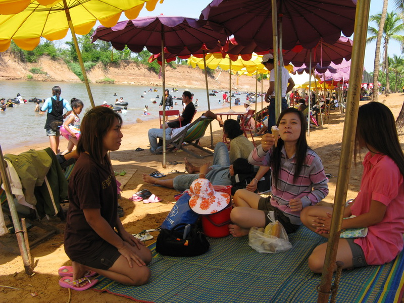 Trip to the beach, Thai syle
