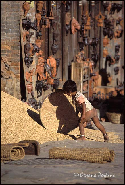 Girl, Potters Square, Patan