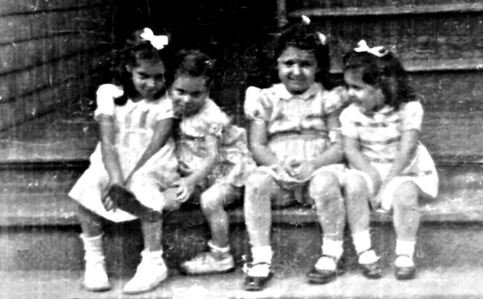 4 little girls on Adams Street