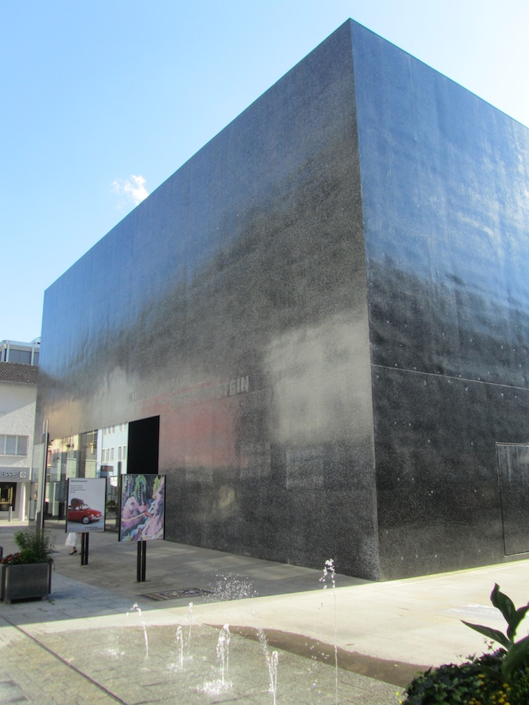 and serious about art: besides this museum, there are sculptural pieces all over town