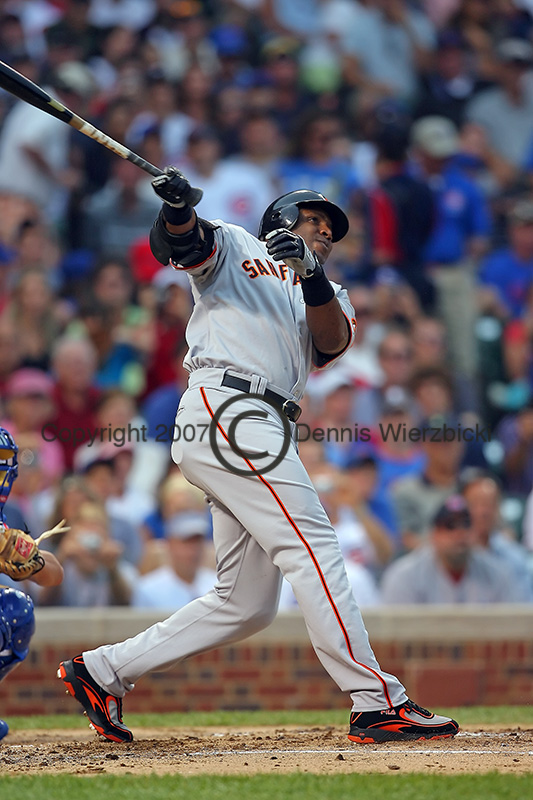 Barry Bonds hits career home run 752.jpg