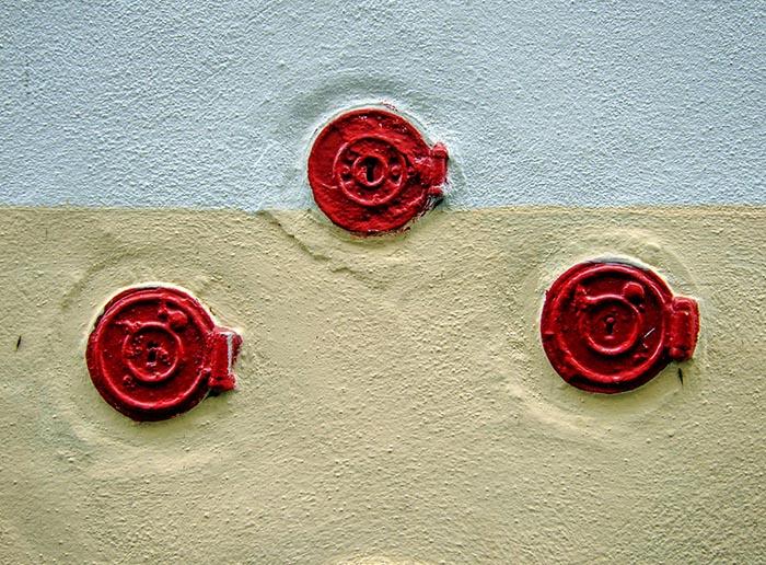 3 reds