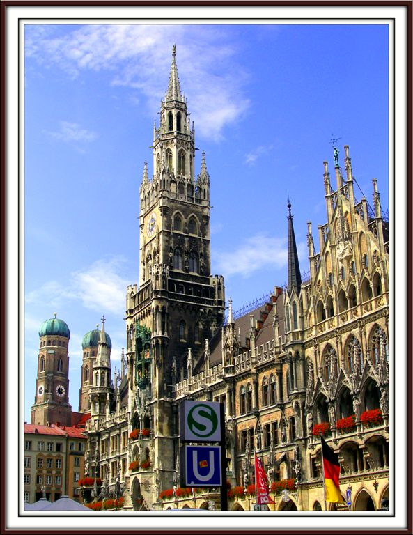 Magnificient Marienplatz... Goddam S & U... Germany